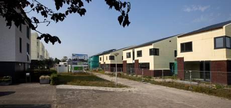 Opnieuw vertraging in Houtse Akker, kopers willen onafhankelijk oordeel over half gebouwde huizen