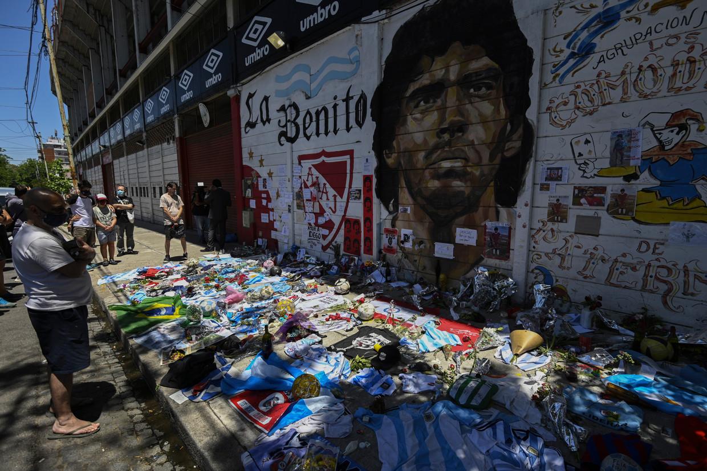 Een eerbetoon aan Maradona na diens overlijden in Buenos Aires, Argentinië. Beeld Hollandse Hoogte / AFP