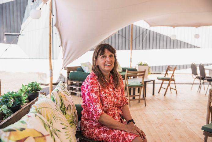 De tweede editie van de 'Summer Bar' van Het Xpand-zaakvoerster Amanda Latinne (59) zoekt het zuiderse vakantiegevoel op, inclusief tal van doe-spelletjes rond het terras.