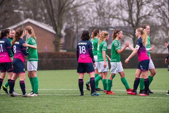 Vrouwen kunnen vanaf komend seizoen uitkomen in een mannenteam in de categorie A.