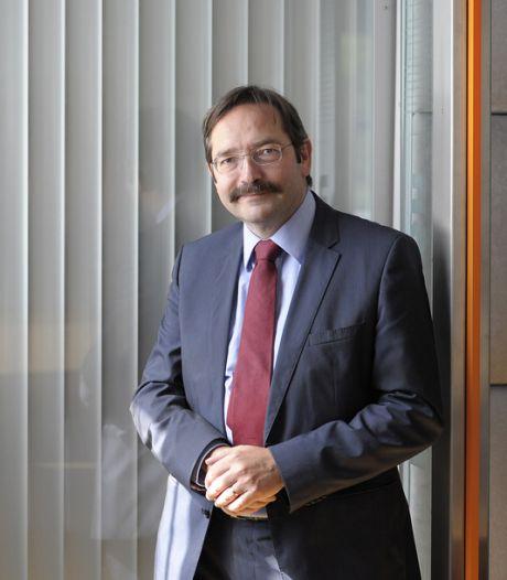 Theo Bovens ondanks conflict rond benoeming 'gewoon' waarnemend burgemeester van Enschede