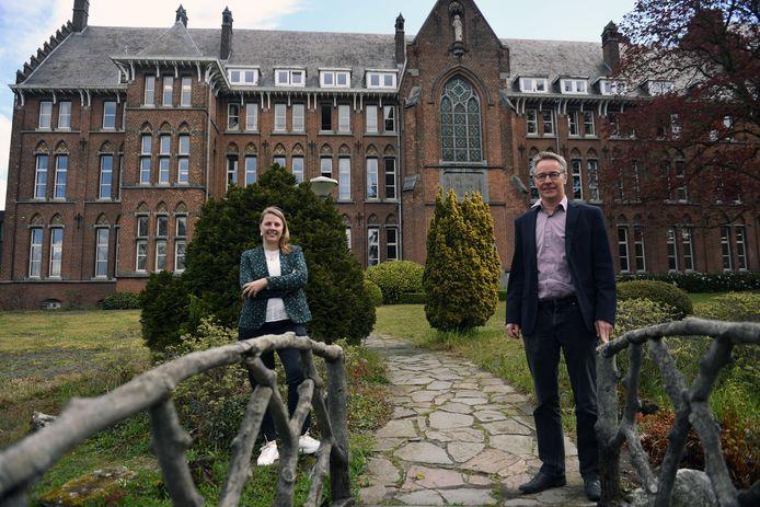 Directeurs Lieve Smeulders en Walter D'Hoore aan het Heilig Hartinstituut in Heverlee.