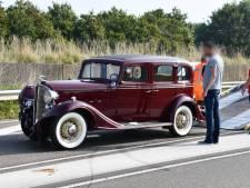 90-jarige auto betrokken bij botsing in Kamperland
