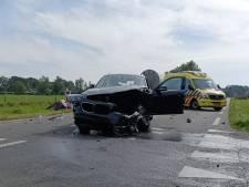 Automobiliste raakt gewond door botsing in Zelhem