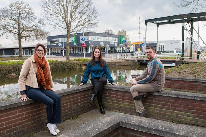 Vanessa Holtkuile,  Judith Elissen en Ronald Tops willen jongeren weer actief krijgen.