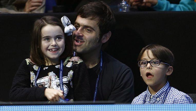 O'Sullivan en kinderen tijdens de Masters tennis in Londen Beeld REUTERS