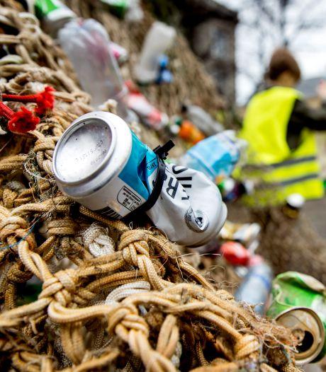 Gemeenten smeken om statiegeld op blikjes en plastic flesjes