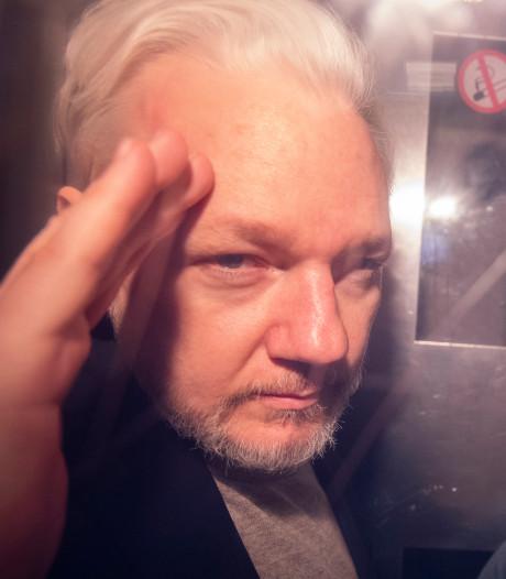 Le parquet suédois abandonne les poursuites pour viol contre Julian Assange