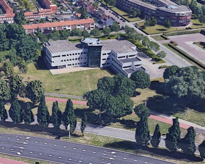 Het pand waar Lamb Weston/Meijer het nieuwe hoofdkantoor vestigt in Breda, met op de voorgrond de Claudius Prinsenlaan en rechts de Topaasstraat.