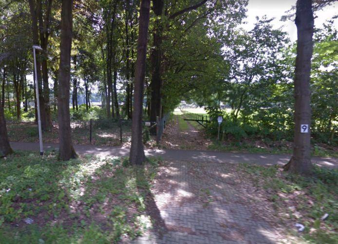 Toegang tot het perceel aan de Keijenbergseweg 9 in Wageningen. Hier verrijst mogelijk een zonnepark.