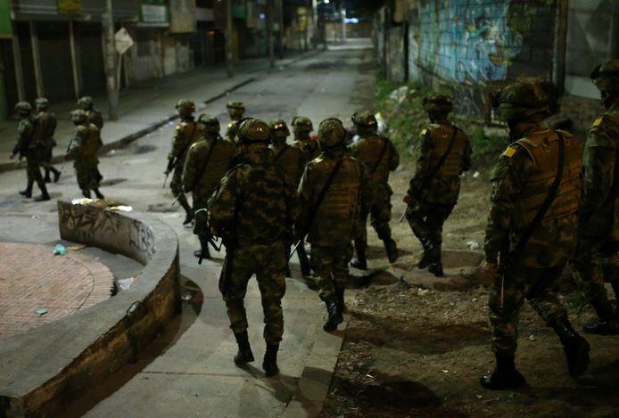 In de Colombiaanse hoofdstad Bogota werd gisteren de avondklok ingesteld, politie en leger controleerden de stad.