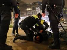 Man scheldt agenten uit op Hobbemastraat en wordt direct aangehouden