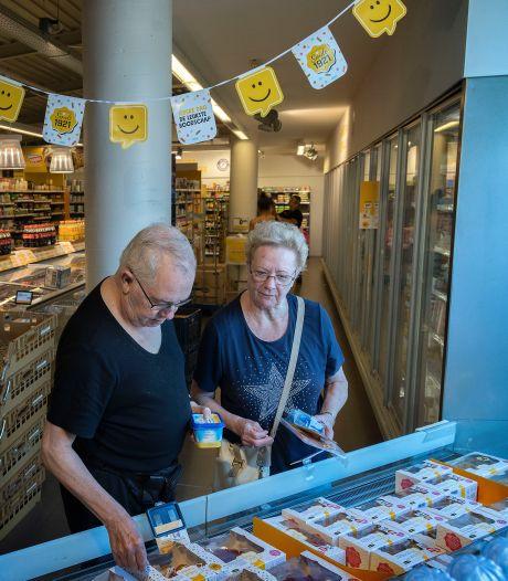 Zonder mondkapje de supermarkt in: 'Het voelt als een bevrijding!'