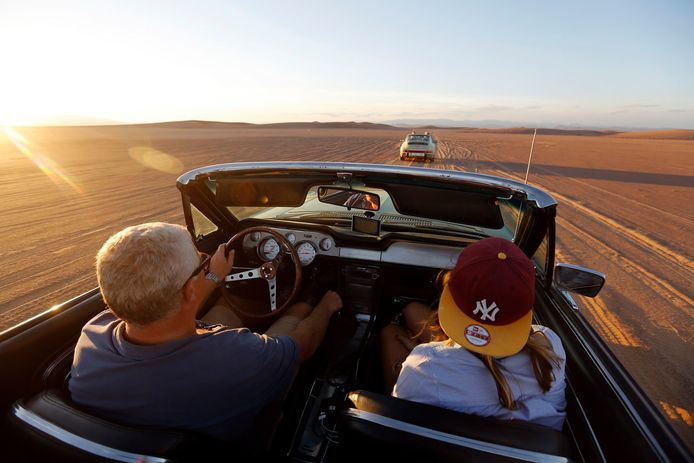 Tour Amical rijdt met 'Ah'mical' na een sabbatjaar door corona weer richting woestijn met bijna 250 classic cars.