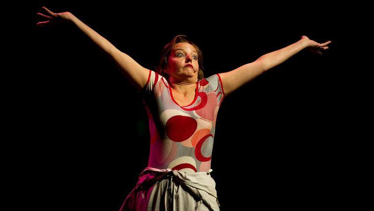 Wallis de Vries tijdens de cabaretmarathon ter gelegenheid van het 125-jarig bestaan van het Koninklijk Theater Carré in 2012 Beeld ap