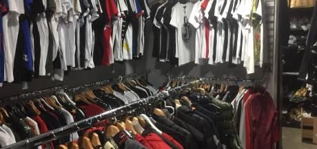 Duizenden namaakproducten gevonden in verborgen kamers van kledingwinkels