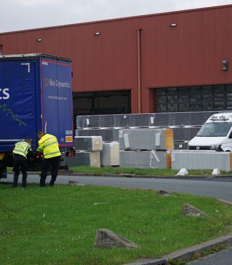 Overleden trucker zat klem tussen twee vrachtwagens in Zeewolde: 'Heel verdrietig'