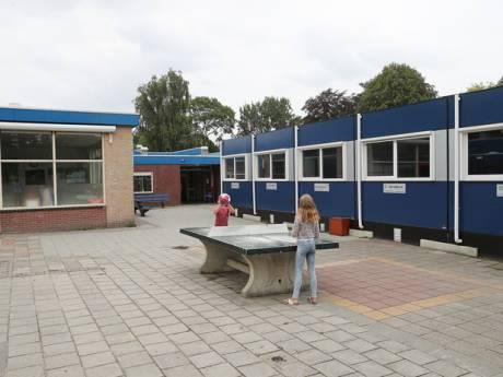 Raad Westvoorne wil leerlingen terug in 'schimmellokalen'