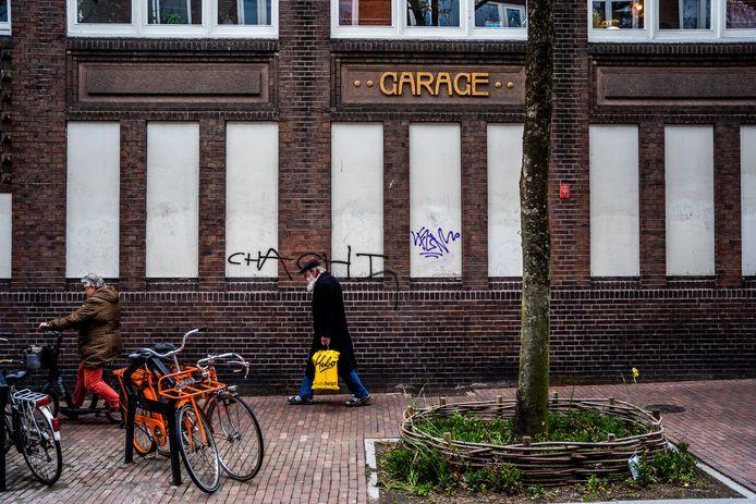 De historische Diehl-garage aan de Spijkerlaan is een ontwerp van de bekende Arnhemse ontwerper Willem Diehl. Tegenwoordig is de zijgevel regelmatig slachtoffer van graffitispuiters, waardoor het pand verpauperd oogt.