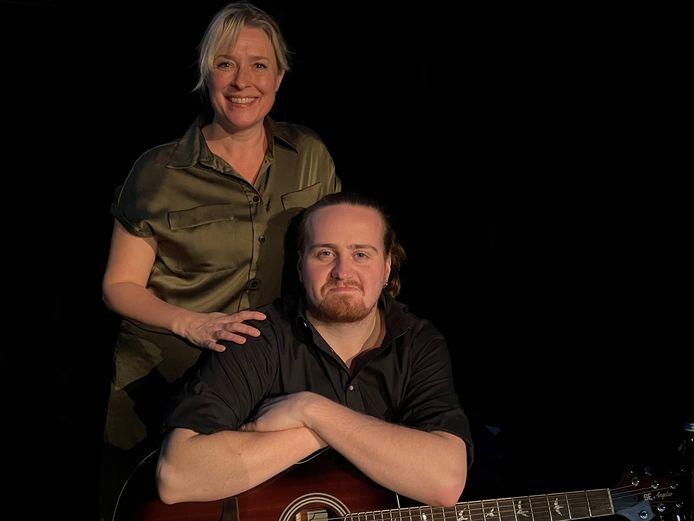 Katrien De Becker en Pieter Jan De Paepe spelen 'OnbeDOELd' in Theater M via livestream.