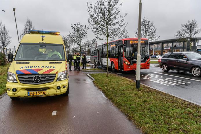 De bus die betrokken was bij het ongeluk.