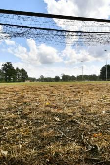 KNVB dwingt clubs uit te wijken naar kunstgras tijdens bekerduels bij onbespeelbaar natuurgras