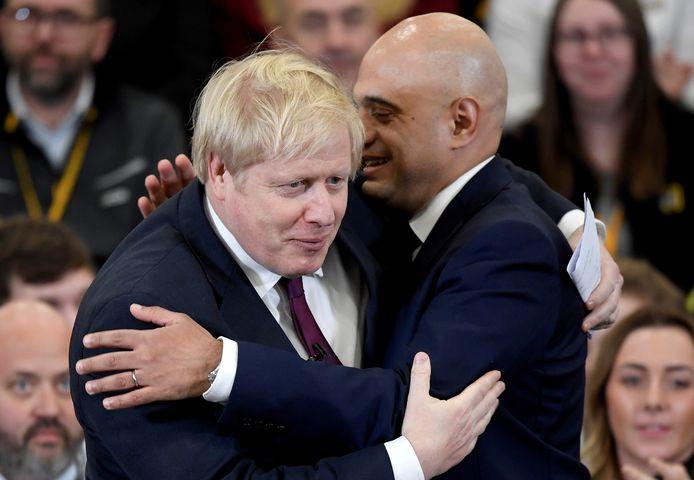Le Premier ministre britannique Boris Johnson et le ministre de la Santé Sajid Javid