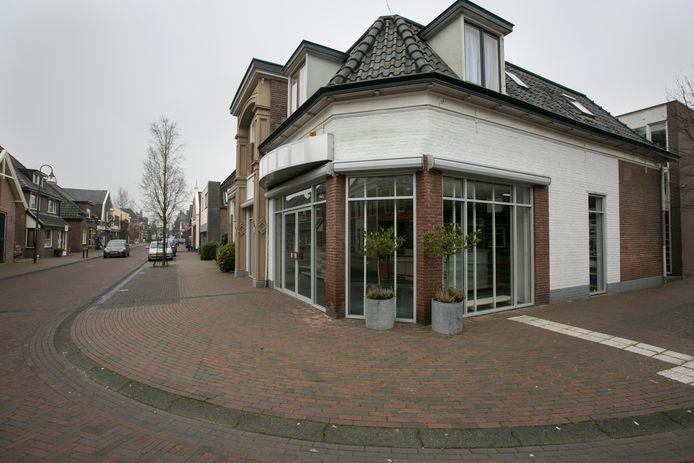 De voormalige Blokker-winkel is verkocht. Het centrum van Olst krijgt weer meer winkels.