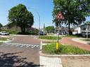 Het nieuwe verkeersbord geeft gewoon aan dat je een gevaarlijk kruispunt nadert.