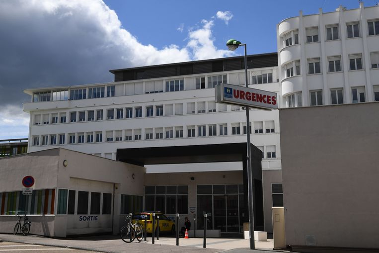 Het ziekenhuis van Roanne, waar Froome verder verzorgd werd.
