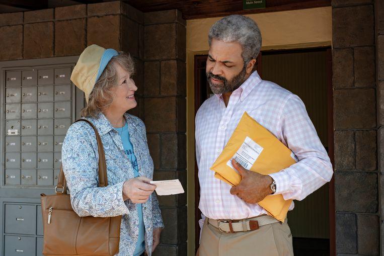 Meryl Streep en Jeffrey Wright in 'The Laundromat'. Beeld AP