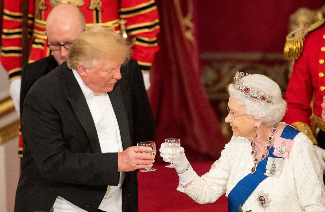 Donald Trump en de Britse Queen.