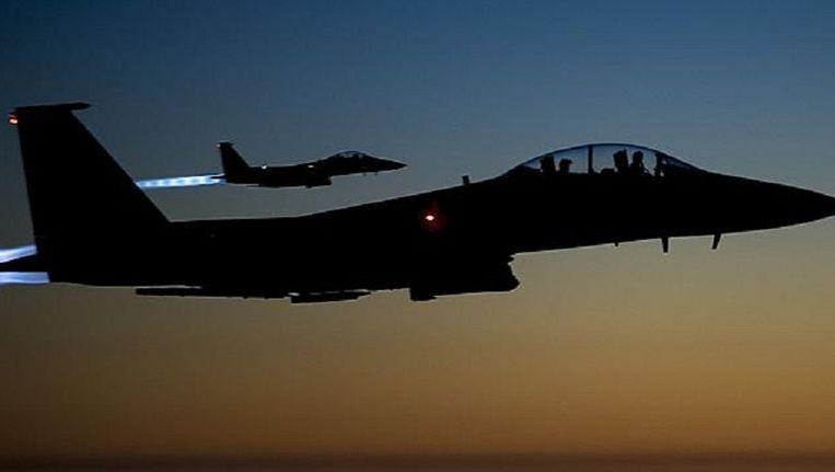 Amerikaanse gevechtsvliegtuigen vliegen over Irak. Beeld AP