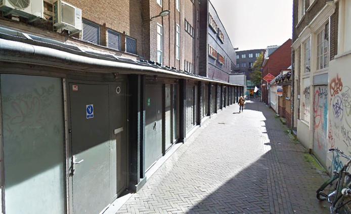 Discotheek Beneej in de Tolbrugstraat Landzijde in Dordrecht.