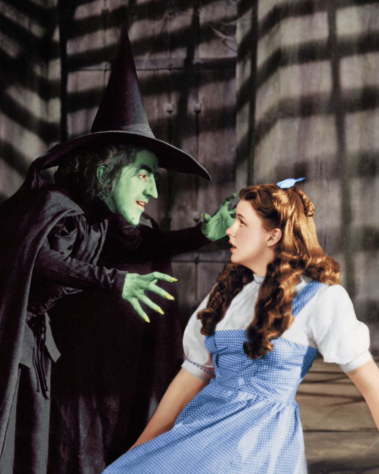 Margaret Hamilton (links) als de Wicked Witch of the West