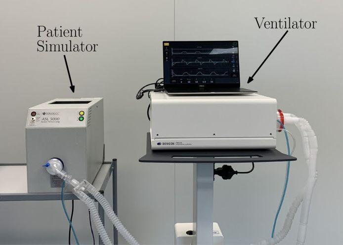 Experimentele opstelling met beademingsmodule en patiëntsimulator