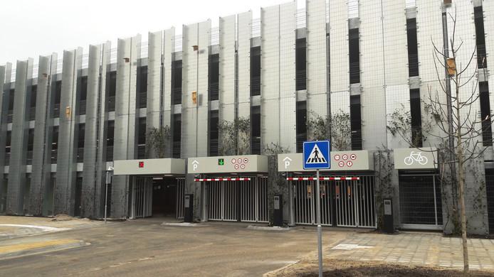 De ingang van het nieuwe transferium aan de Deutersestraat, medio 2018 geopend.