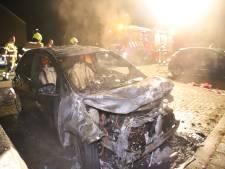 Auto brandt volledig uit op parkeerplaats in Culemborg