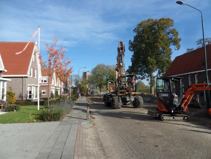 De Koepoortstraat in Woudrichem wordt vernieuwd.