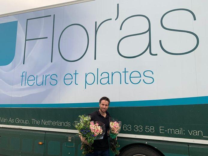 Doordeweeks rijdt Ramon van de Grift met een vrachtwagen vol bloemen naar en door Frankrijk.