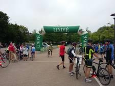 Duizenden fietsers van start voor Jan Janssen Classic