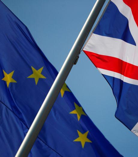 Des milliers d'Européens vivant au Royaume-Uni risquent de perdre leurs droits