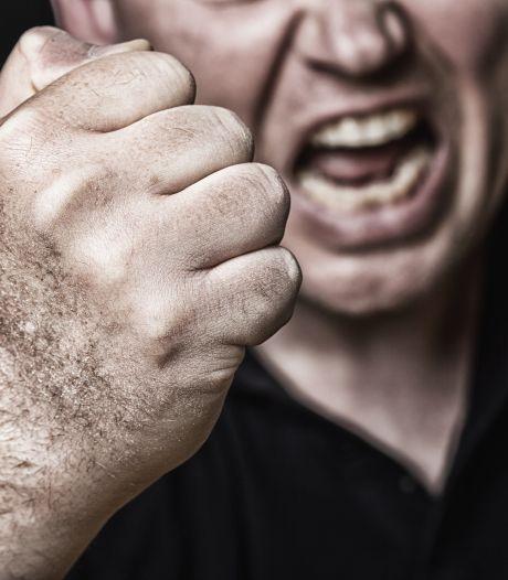 Confrontatie tussen vader, zoon en stiefdochter loopt uit de hand in Deventer: 'Ik wilde het mes afpakken'
