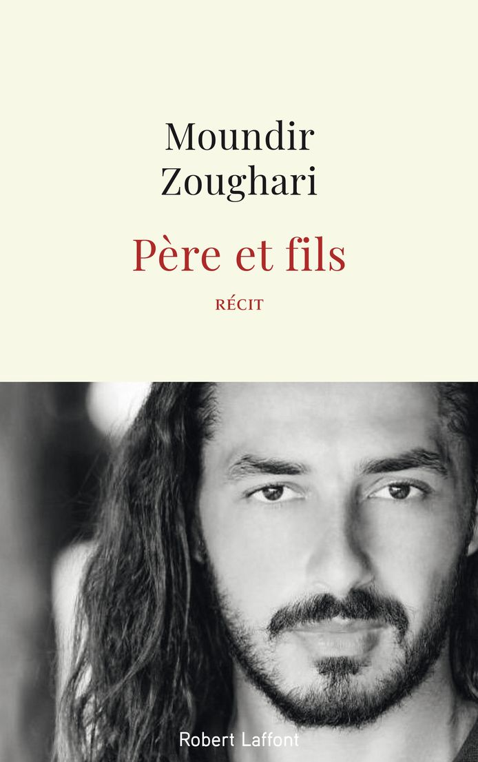 """Moundir sort """"Père et fils"""" aux éditions Robert Laffont."""