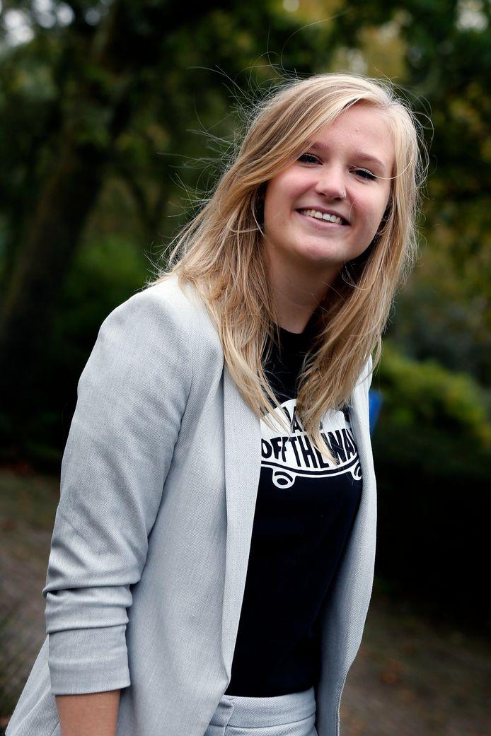 Anne Eijken loopt stage bij Jongerenwerk Vijfheerenlanden.