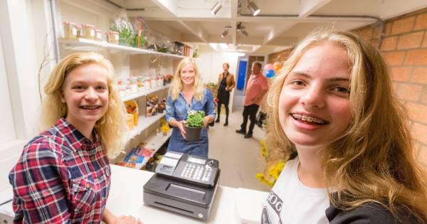 Scholieren Wellantcollege verkopen eigen cake