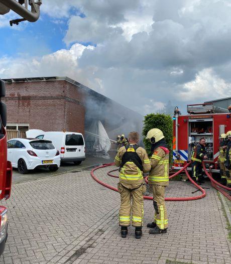 Grote brand in bedrijfsverzamelgebouw in Almen: 'Het had veel erger kunnen aflopen'