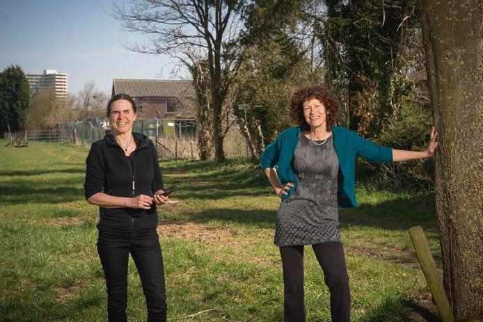 Rita van Biesbergen (links) en Titia Hajonides van De Nieuwe Nu in de Oude Nude.