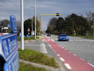 Slimme verkeerslichten, nieuwe bushaltes en afsluiting zijstraten moeten Brusselsesteenweg veiliger maken