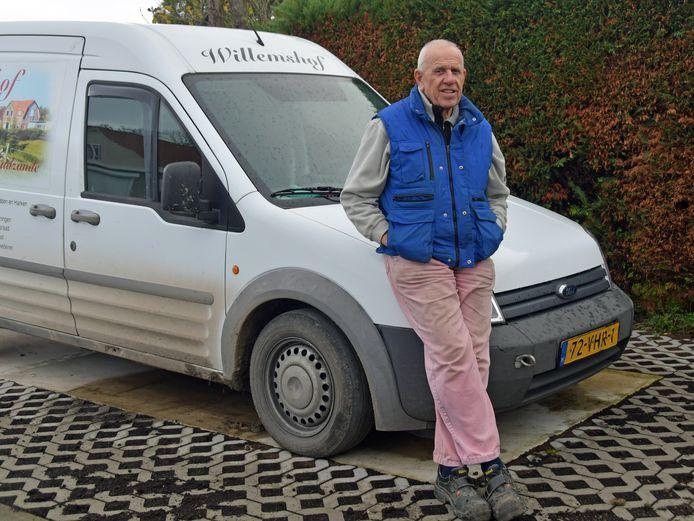Johan Kesteloo reed jaren door de tunnel voor zijn werk. Het kostte hem veel geld. Toch vindt hij dat de tol moet blijven. Goed voor de infrastructuur. Alleen Zeeuws-Vlamingen zouden wel een speciale regeling moeten hebben.
